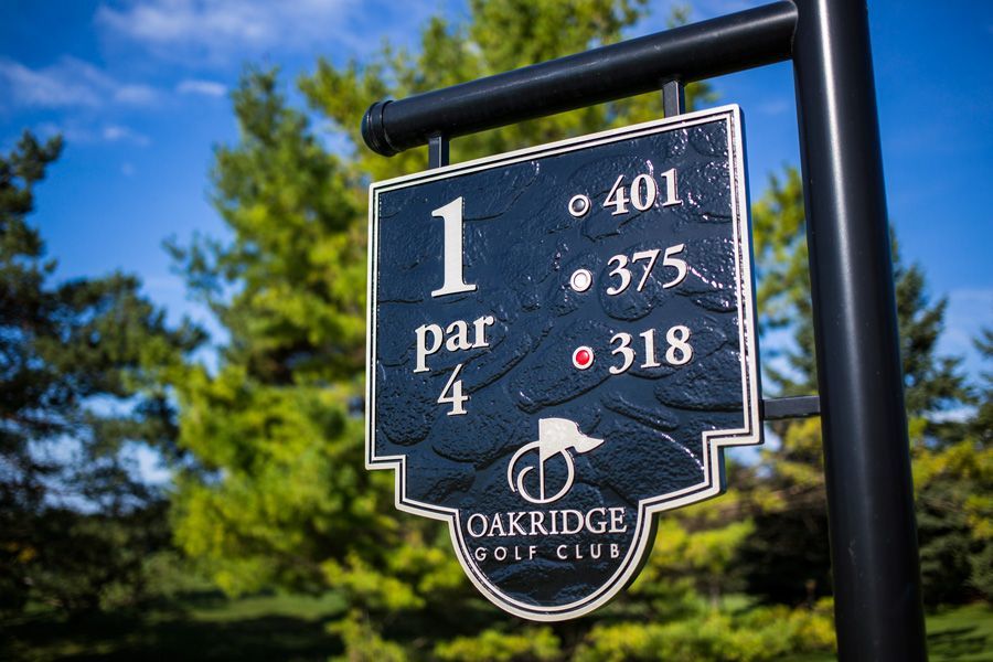 Oakridge. Golf how it was meant to be.